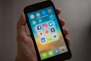 iphone-social-media